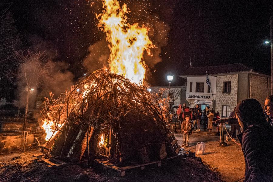 Καρναβάλι, φωτιές και χαρταετοί